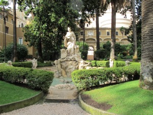 Fountain in the courtyard of Piazza Venezia.